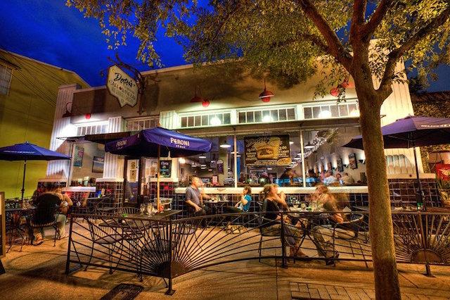 Dexters Restaurant Outdoor view