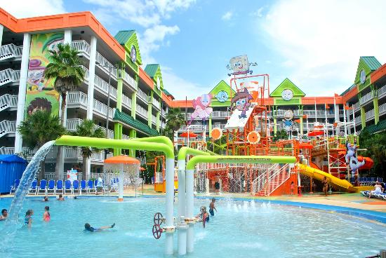 Nickelodeon Hotel pool area